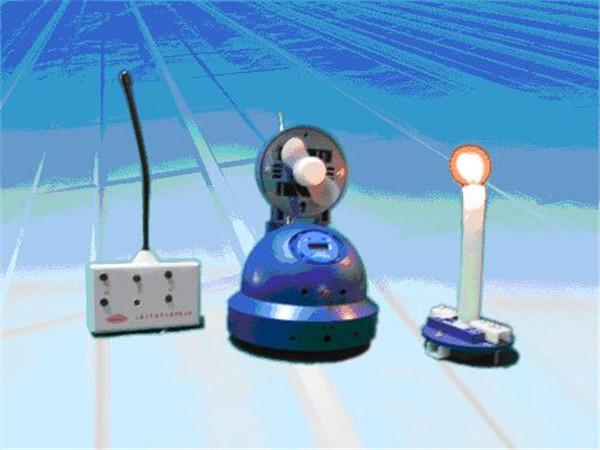 无线遥控灭火机器人   产品介绍:   本机单路双通道五功能开关型无线电遥控器,主要由无线电遥控发射编码信号,发射指令通过编码器产生编码信号,送到调制器,在调制器中编码信号被搭载频率比较高的电磁波信号上,产生调制信号由调制器通过高频率放大器放大,由发射天线